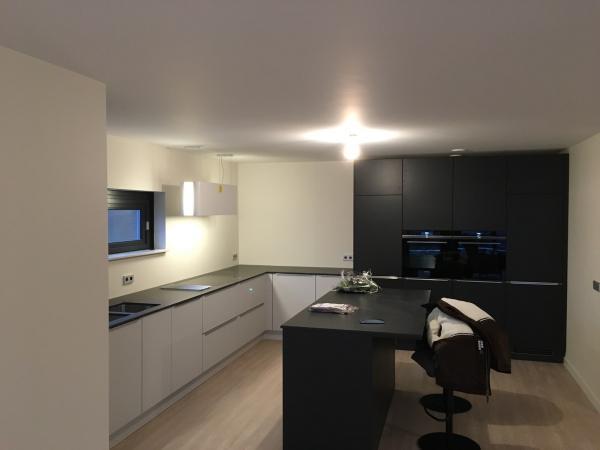 Schilderwerk / stucwerk appartement Nieuw-Beijerland